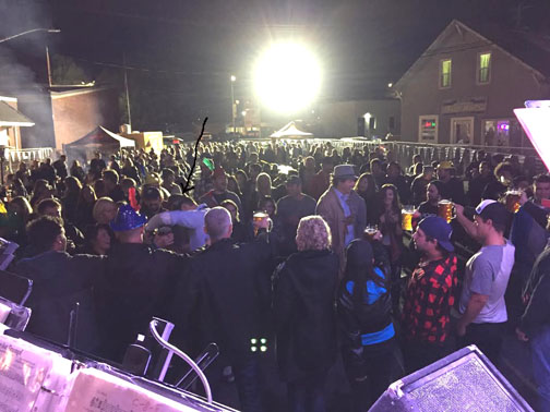 Kenora 2016-What a Crowd